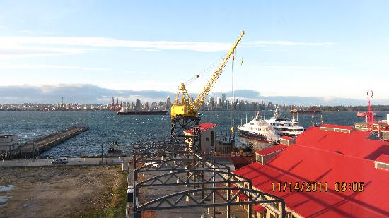 Pinnacle Hotel At The Pier: Vancouver in November