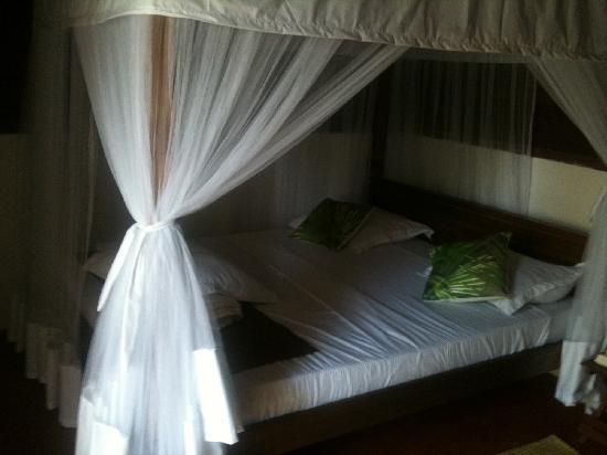 Hotel Eco-Lodge Ravoraha: notre chambre