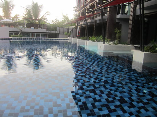 Red Ginger Chic Resort: The pool