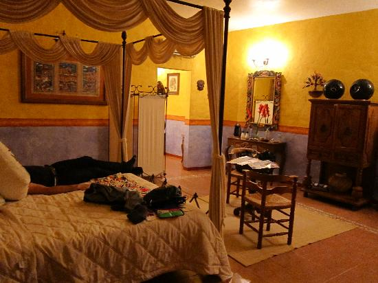 Quinta Las Acacias: The Guelaguetza