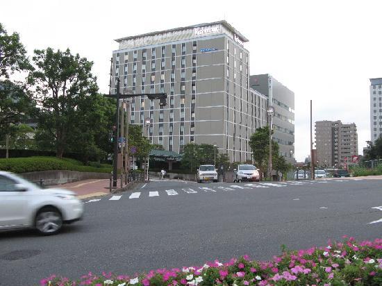 Richmond Hotel Narita: ホテル概観(北東側から)