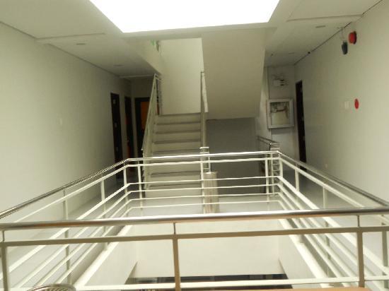 Cinfandel Suites: Hotel Hallway