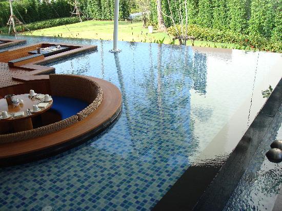 Holiday Inn Phuket Mai Khao Beach Resort : Restaurant
