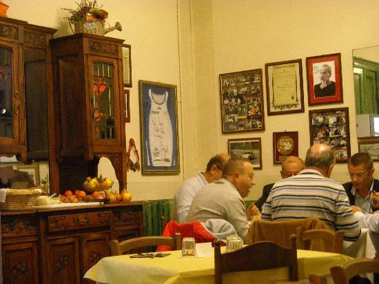 La Credenza Torino : La credenza del pane foto di osteria trattoria da dario torino