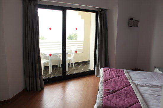 Holiday Village Manar: Second Bedroom with balcony and sea view