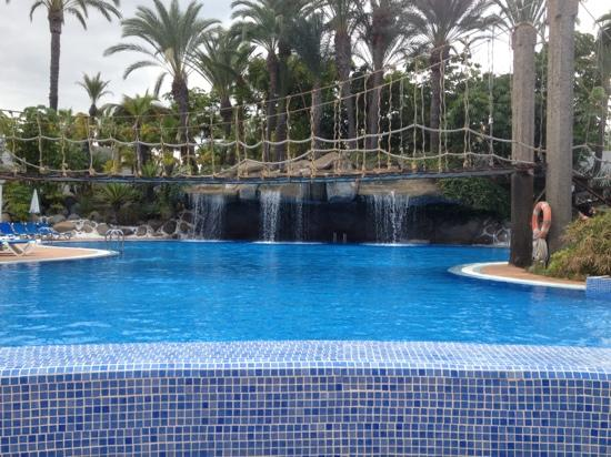 Hotel Best Tenerife: waterfall working now. (28/11/11)