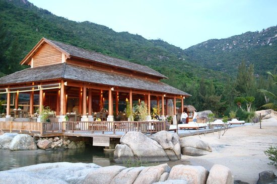 L'Alyana Villas Ninh Van Bay: Main Building/Restaurant