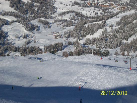 Hotel Restaurant Le Chardon bleu: risoul vu du resto d'altitude