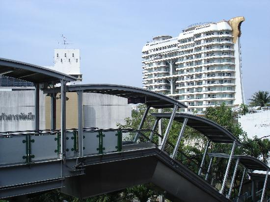 Viva Garden Serviced Residence: Apartment complex as seen from Bangchak skytrain station