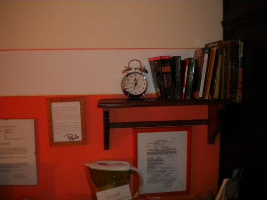 Abatjour B&B: I libri a disposizione degli ospiti (idea molto carina!)