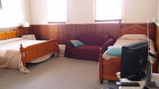 Windmill Hill Lodge: Triple room