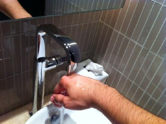 Weird Sink Everything Gets Wet Picture Of W Doha Tripadvisor