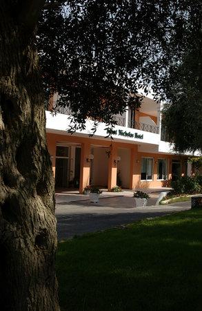 세인트 니콜라스 호텔