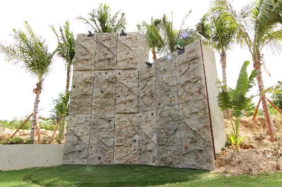 Four Seasons Resort and Residences Anguilla: Rock Climbing Wall