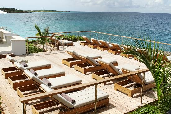 Four Seasons Resort and Residences Anguilla: Sunset Pool Deck