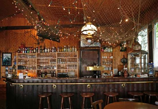 Kellings Schifferstube: Restaurant und Tresen