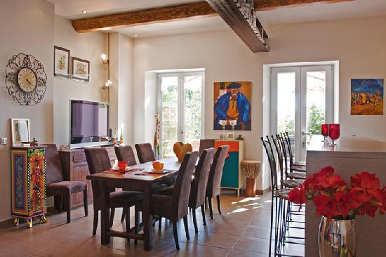 Petit Hotel Marseillan: indoor breakfast area