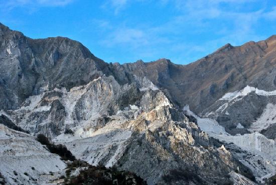 Carrara, Italy: Panorama sulle cave