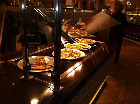 Chef's Stage Buffet: Pizza Area