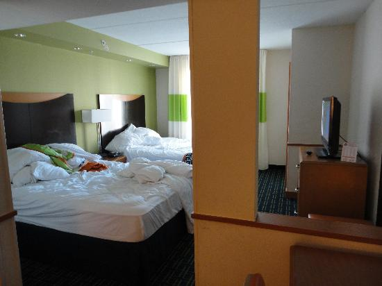 Fairfield Inn & Suites Wilmington/Wrightsville Beach: Room 218- Queen suite