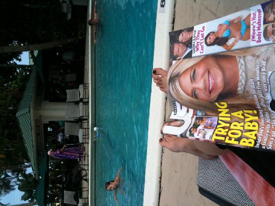 Boca Raton Plaza Hotel and Suites: Pool and People Mag!