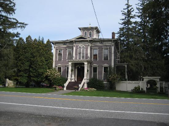 The Mansion of Saratoga: The front of the Mansion