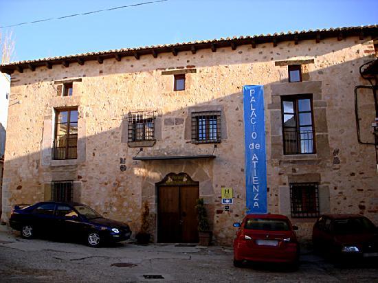 Antiguo Palacio De Atienza: El edificio