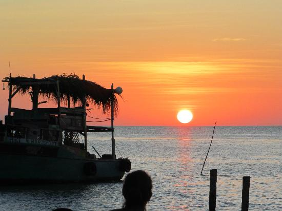 Costa Maya Beach Cabanas: Sunset at the Split