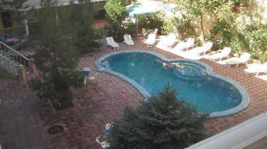 Retro Palace Hotel Apartment: Retro Palace Pool  area