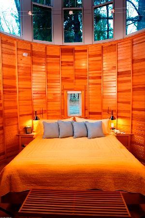 Winvian: Maritime Cottage Bedroom