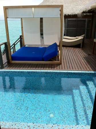 Coco Bodu Hithi: Private deck
