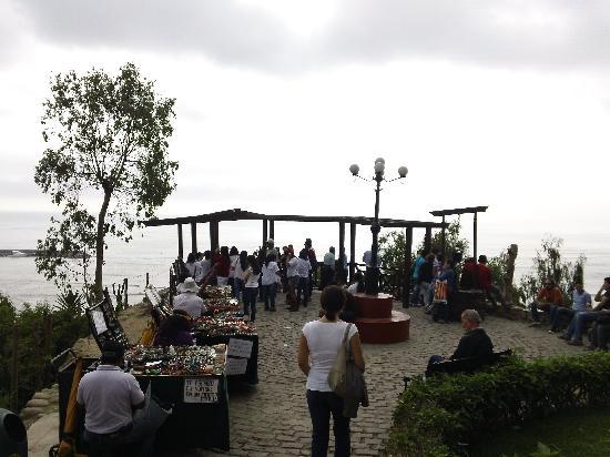 El Puente de los Suspiros: Malecón sobre el Pacifico