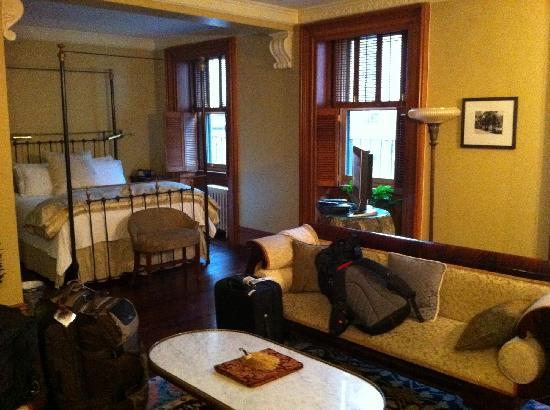 The Inn at Irving Place: Room Looks nice