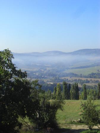 Agriturismo Poponi : la campagna al mattino vista dalla nostra camera