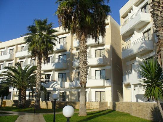 Louis Phaethon Beach: hotel view