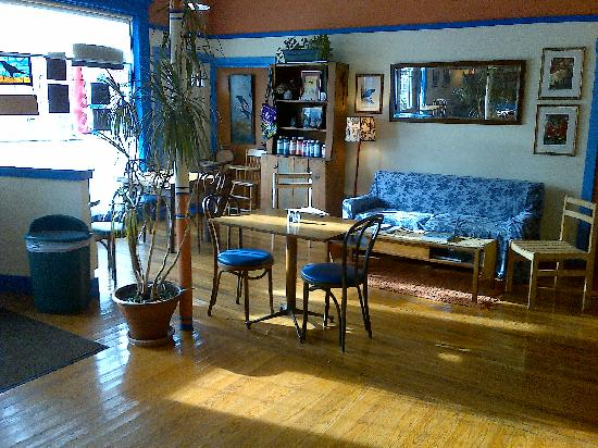 CROWS BAKERY & OPERA HOUSE CAFE: One of our dining areas