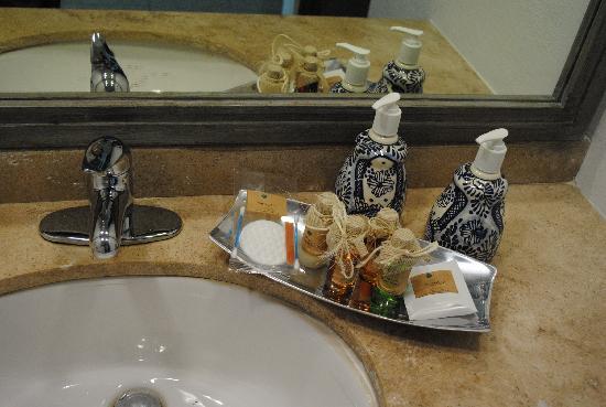 Hotel B Cozumel: Amenidades