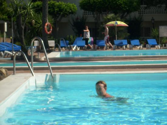 Habitaci n foto van alegria portomagno aguadulce for Follando en la piscina del hotel