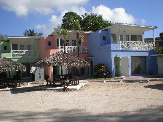 Coral Harbour Beach House and Villas: The hotel studios