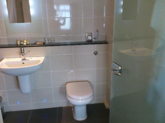 Hallmark Hotel Manchester Bathroom Sink Toilet