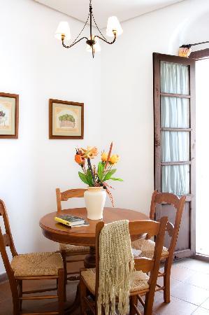 Casa de Los Leones: Detalle Salón