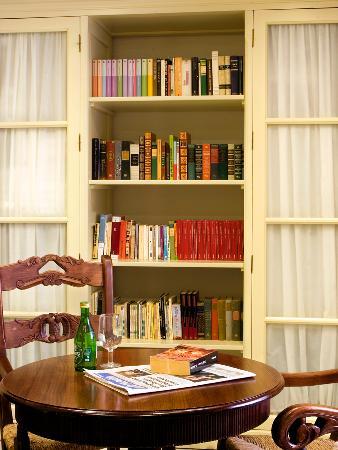 Casa de Los Leones: Sala Internet Biblioteca
