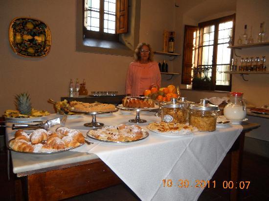 Palazzo Leopoldo Dimora Storica & Spa : Lovely breakfast room