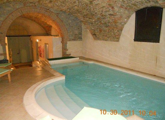 Palazzo Leopoldo Dimora Storica & Spa: A most inviting pool