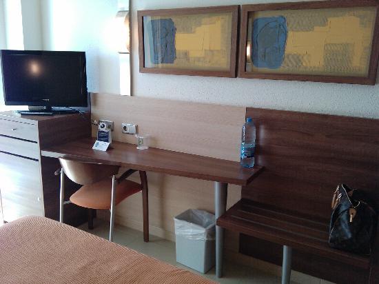 Aqua Hotel Aquamarina & Spa: chambre