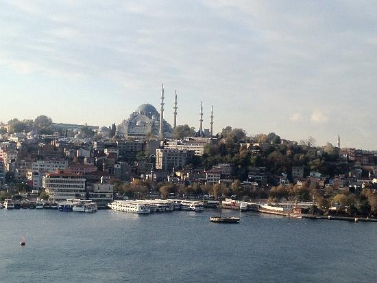 Istanbul Golden City Hotel: View from the hotel roof where the restaurant is.