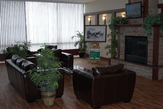 Days Inn - Calgary South: Front Lobby Sitting Area
