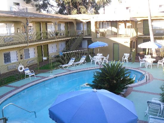 L 39 Hotel Picture Of Hollywood City Inn Los Angeles