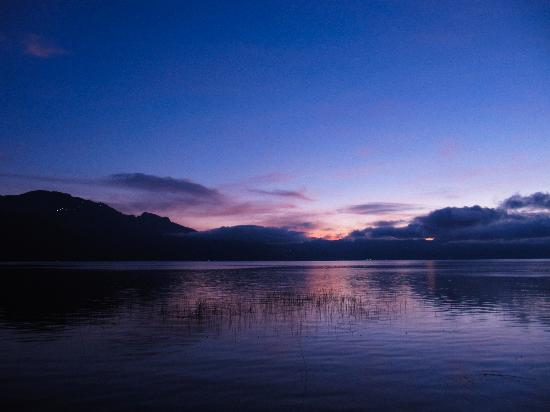 San Pedro La Laguna, Guatemala: Sunrise from the Mikaso
