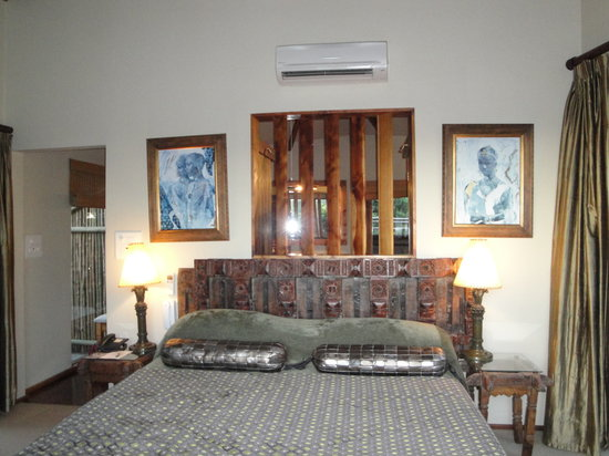 Tsala Treetop Lodge: the bed